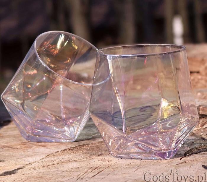 kanciaste szklanki diamenty tęcza