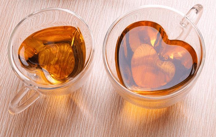 Szklanka z sercem w środku 3D