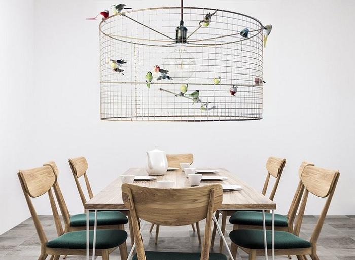 lampa klatka z ptakami
