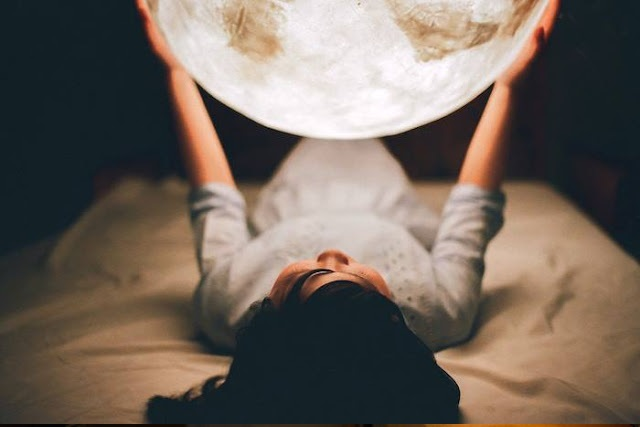 lampa moon 3