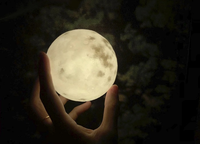 lampa moon 4