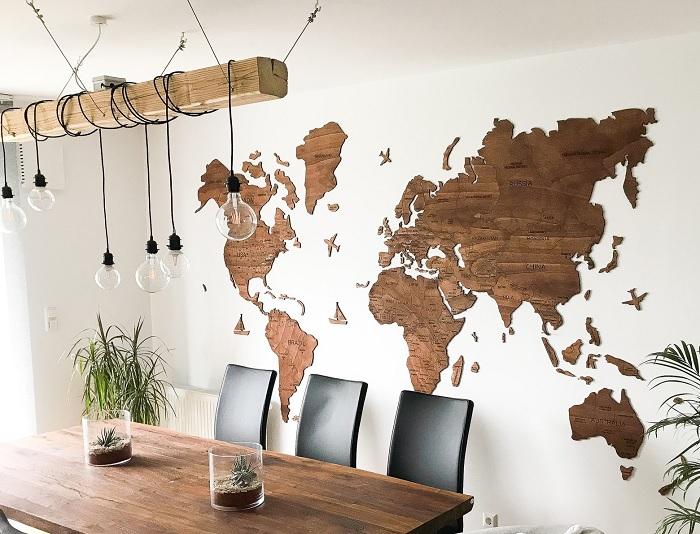 mapa swiata drewno
