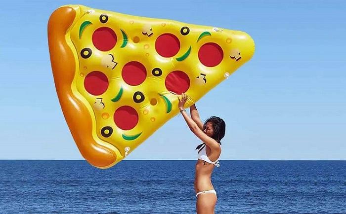 Materac wielki kawałek pizzy