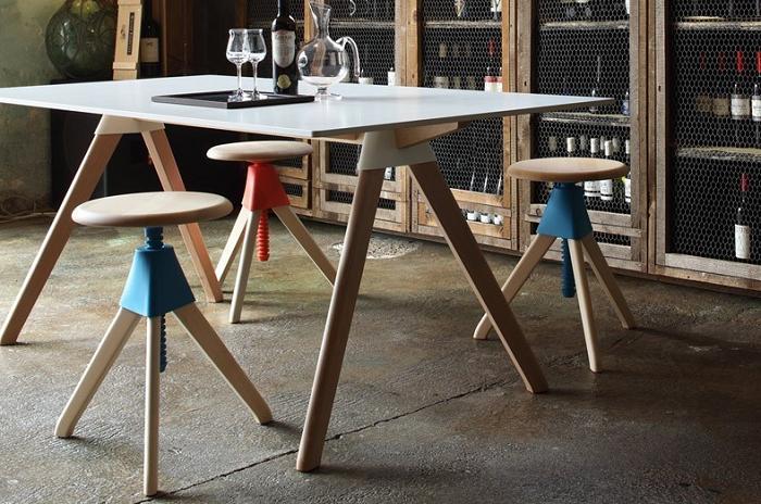 Minimalistyczny stołek obrotowy Magis