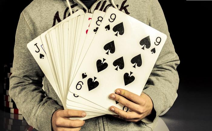 Ogromne karty do gry
