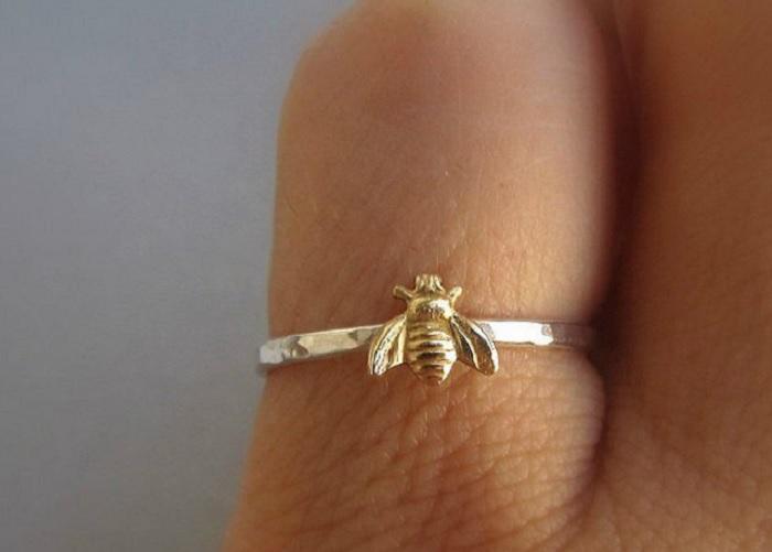 pierscionek pszczola