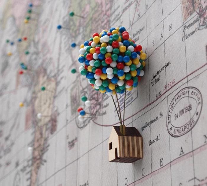pinezki domek z balonami up