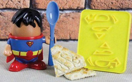 kieliszek jajko superman
