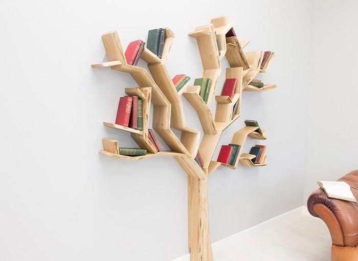 Regał na książki w kształcie drzewa