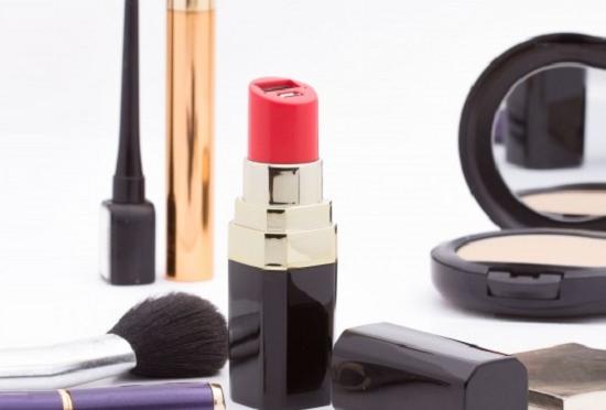 Kobiecy Powerbank w kształcie szminki