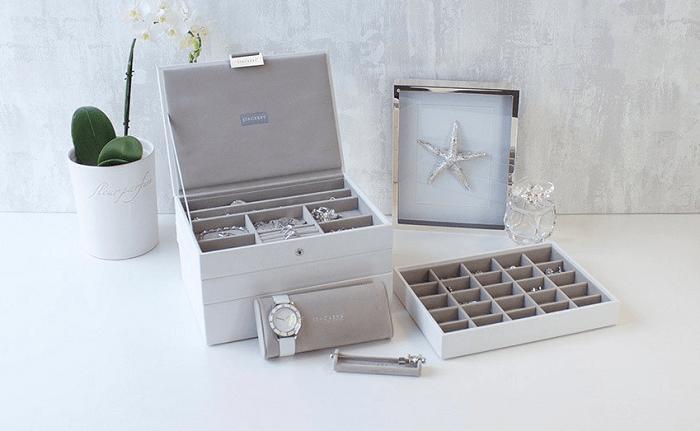 Eleganckie pudełka na biżuterię Stackers