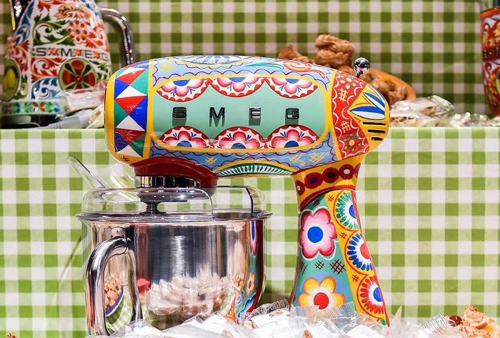 BLOG: Sycylijskie wzory na akcesoriach kuchennych, czyli współpraca marek SMEG oraz Dolce&Gabbana