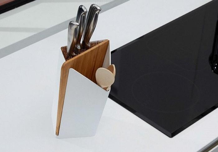 Stojak na noże i łyżki z deską Forminimal