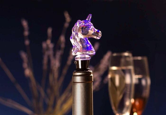 Świecąca zatyczka do wina jednorożec