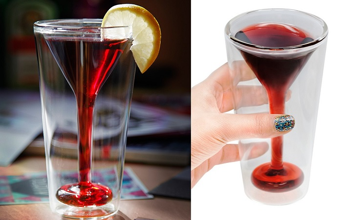 szklanka z kieliszkiem do martini