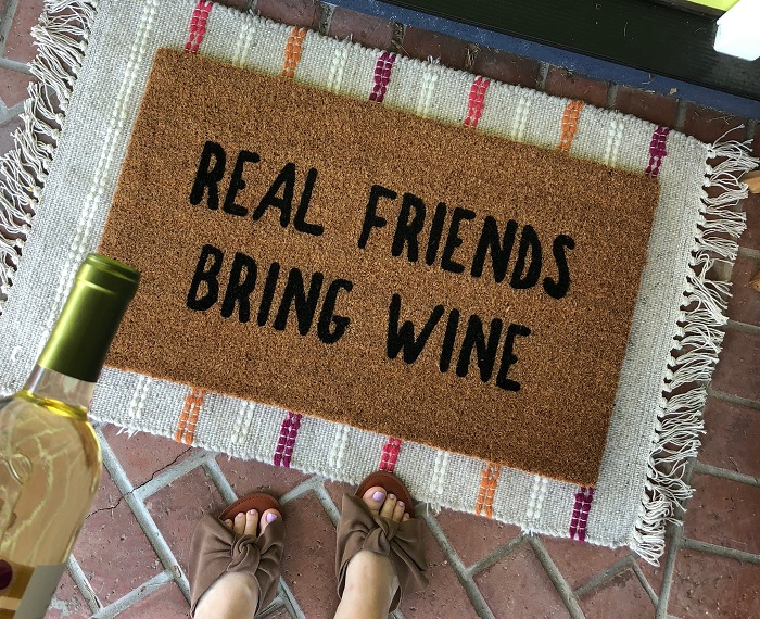 wycieraczka wino przyjaciele